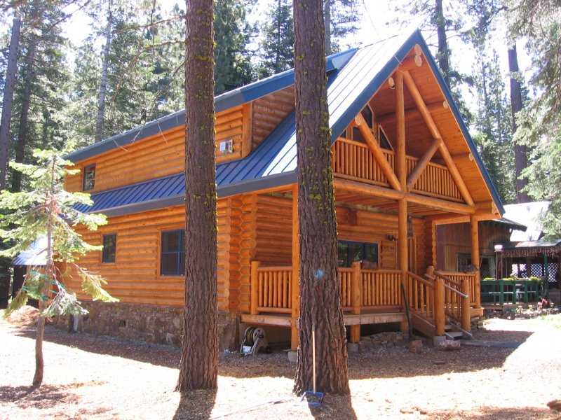 We design log cabins to maximize the space of any size lot.