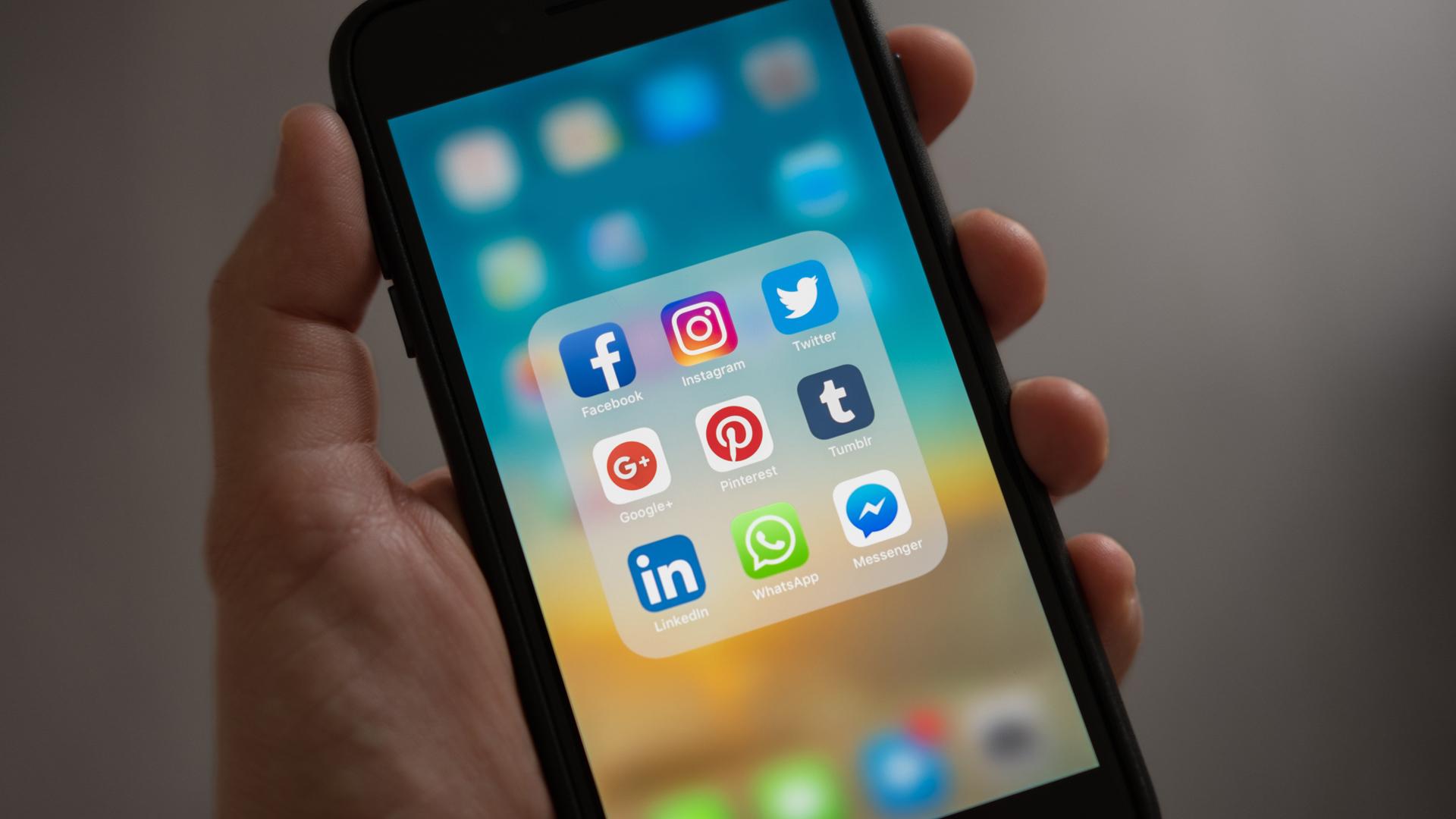 Cómo puedo cuidar lo que comparto en mis redes sociales