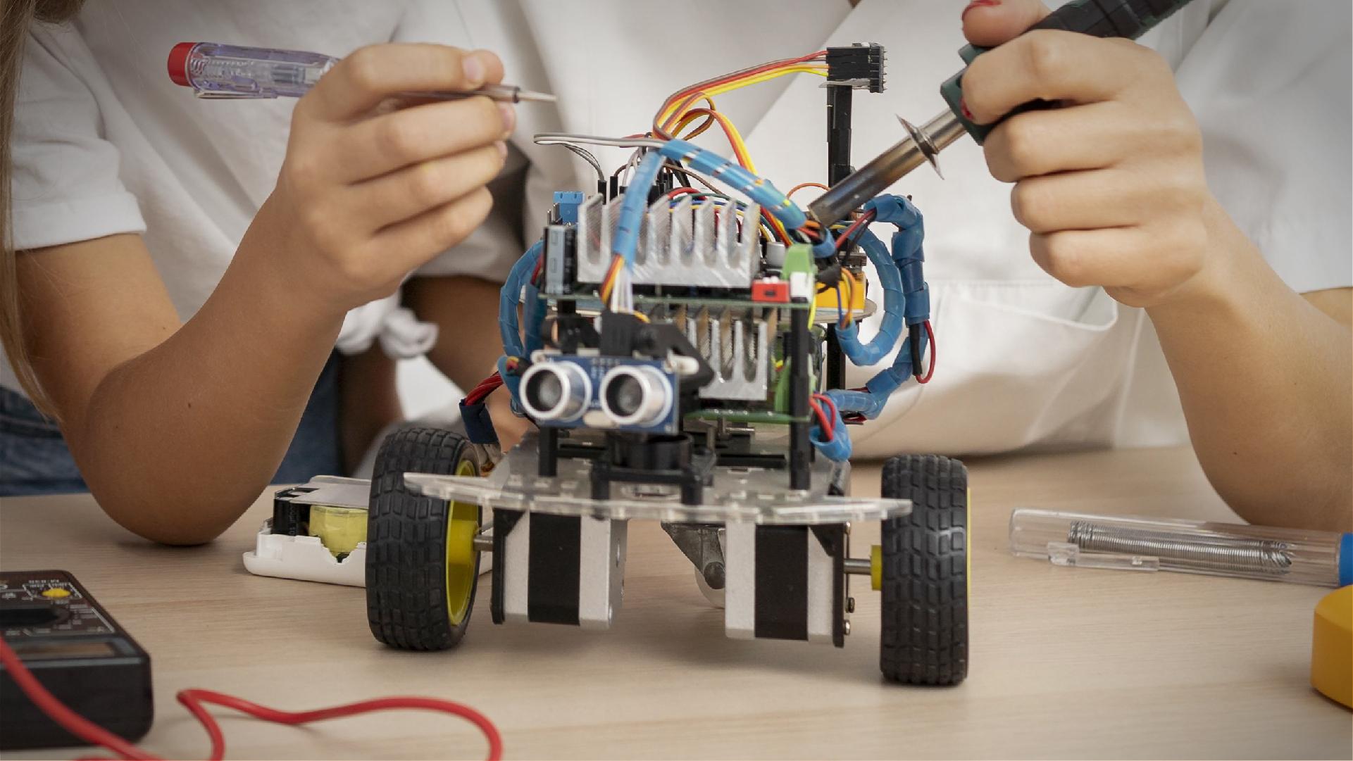 La robótica educativa hacia la mentefactura