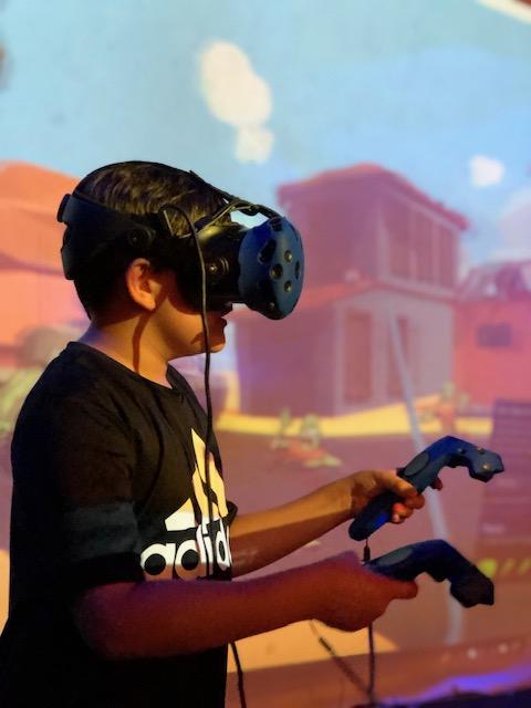 Virtual Reality- HTC Vive / Oculus Rift