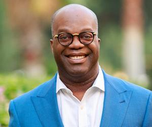 Simon T. Bailey, Hall of Fame Customer Experience Speaker