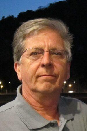 Tom Vivelo Headshot