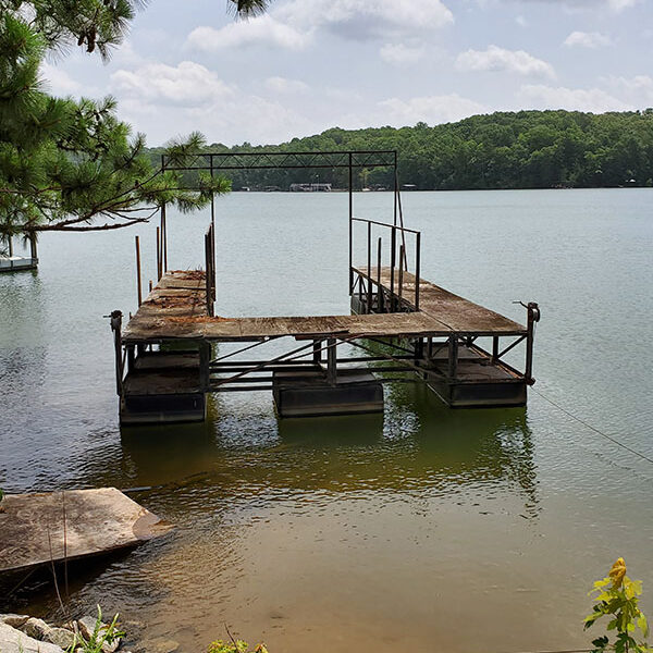 Example of a rotten and abandoned dock