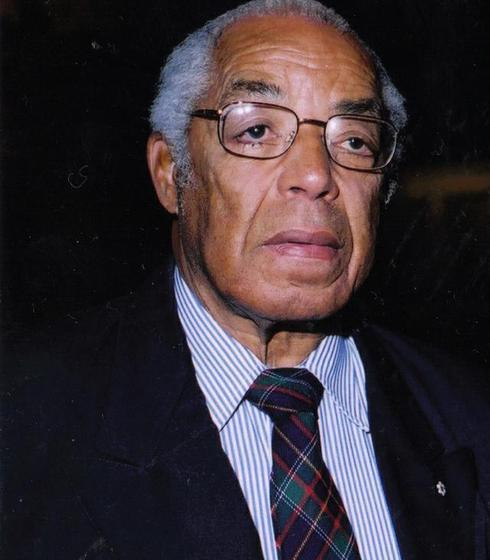 Bromley Lloyd Armstrong (1926-2018)