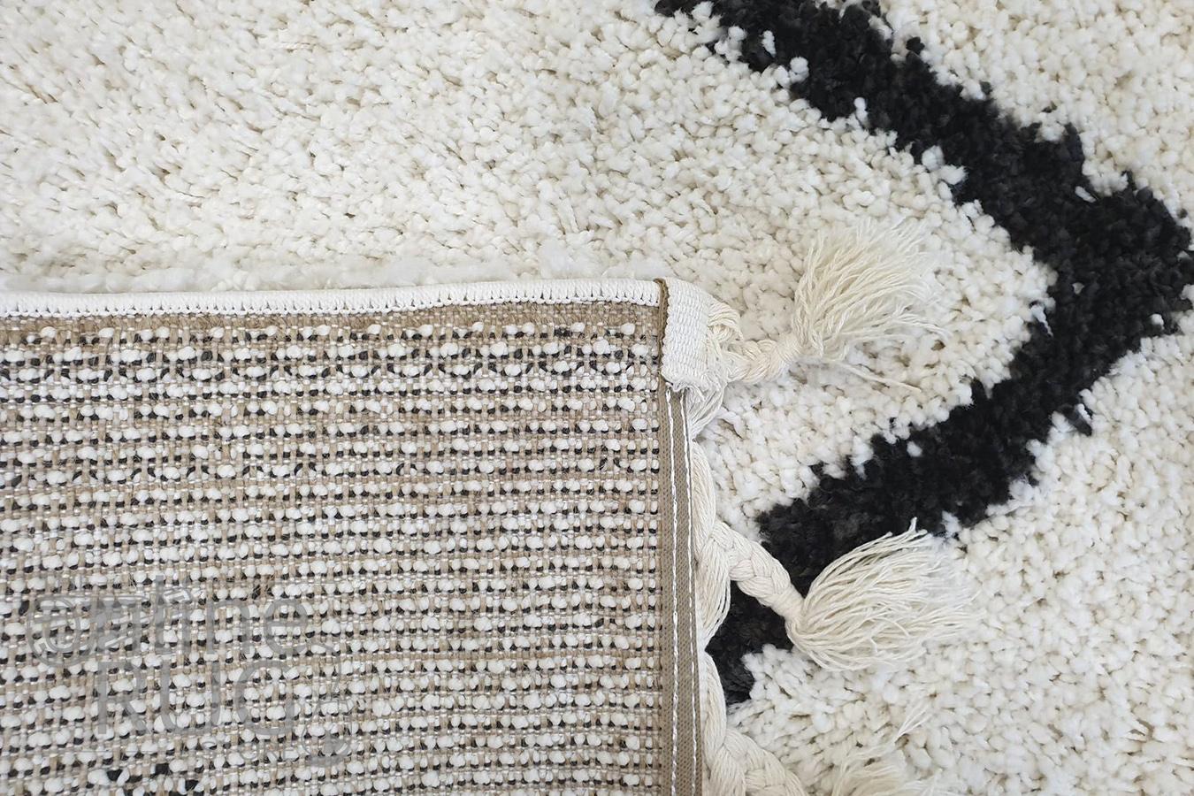 Saffia Natural Off-White Zigzag Plush Boho Rug