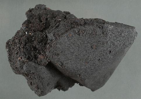 black_tar-569fe5c03df78cafda9ef946