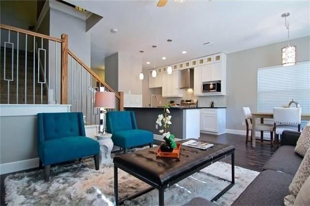 Home Staging in Austin by Addicted 2 Decor