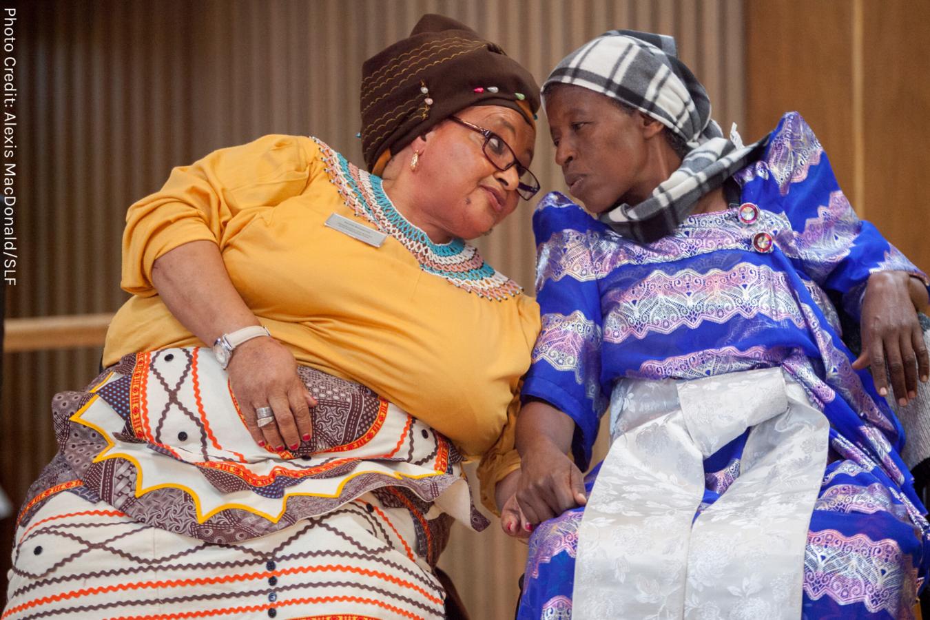 Grandmothers in solidarity