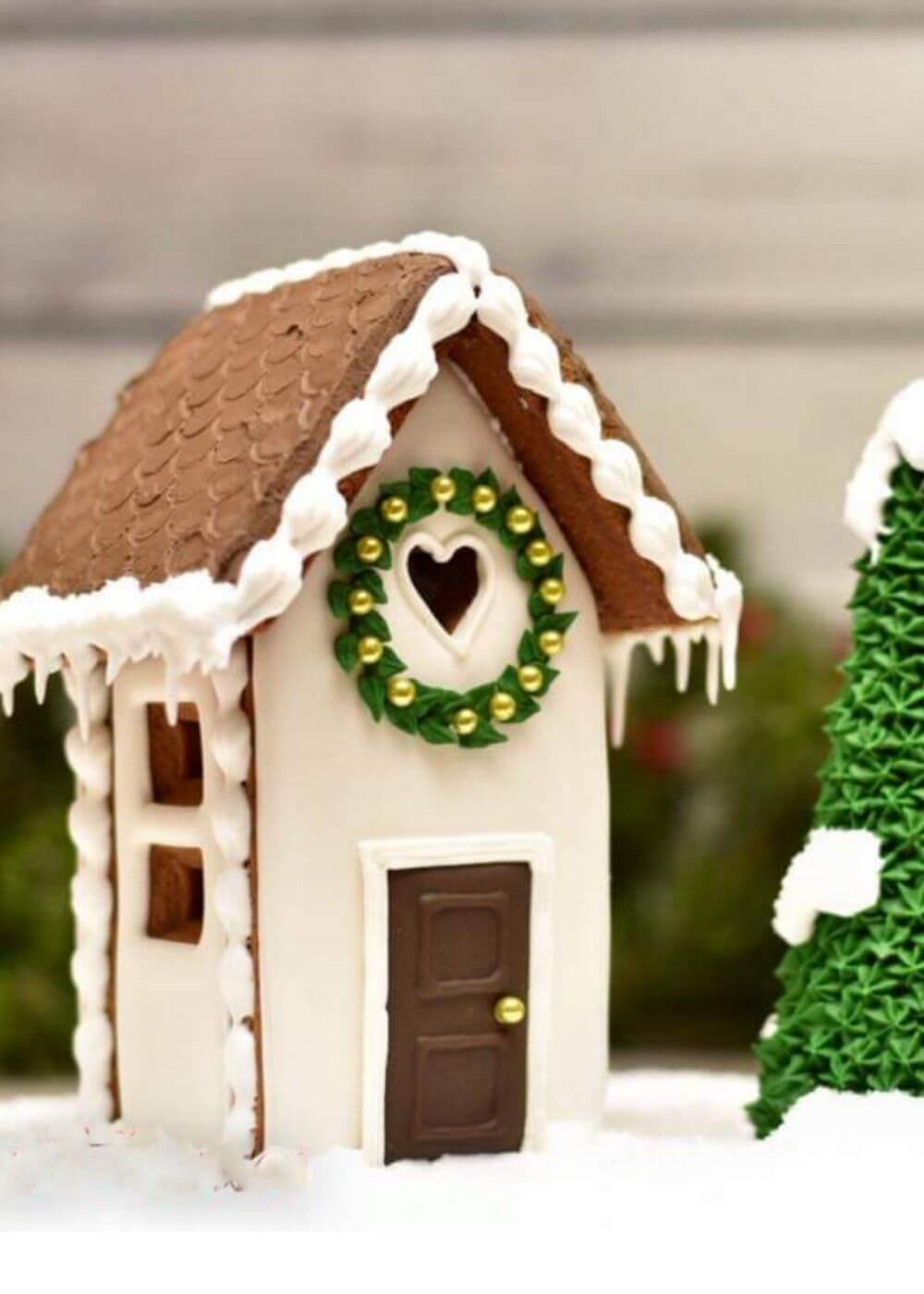 Name-Gingerbread House_Tag-Celebrations Vignettes_Season-Winter Christmas