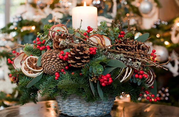 Stunning Festive Table Arrangement