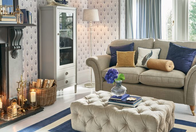 how to use metallic accents in your interiors