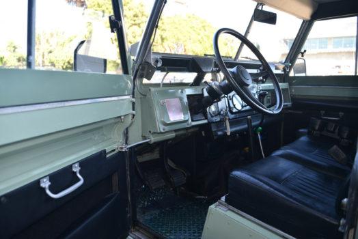 1971 Land Rover 88″ Series 2A