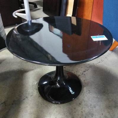 Round black end table