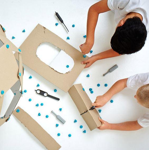cardboard-tool-kit-uncommongoods