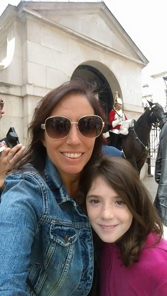 London - Buckingham Palace - Emmalynn and me