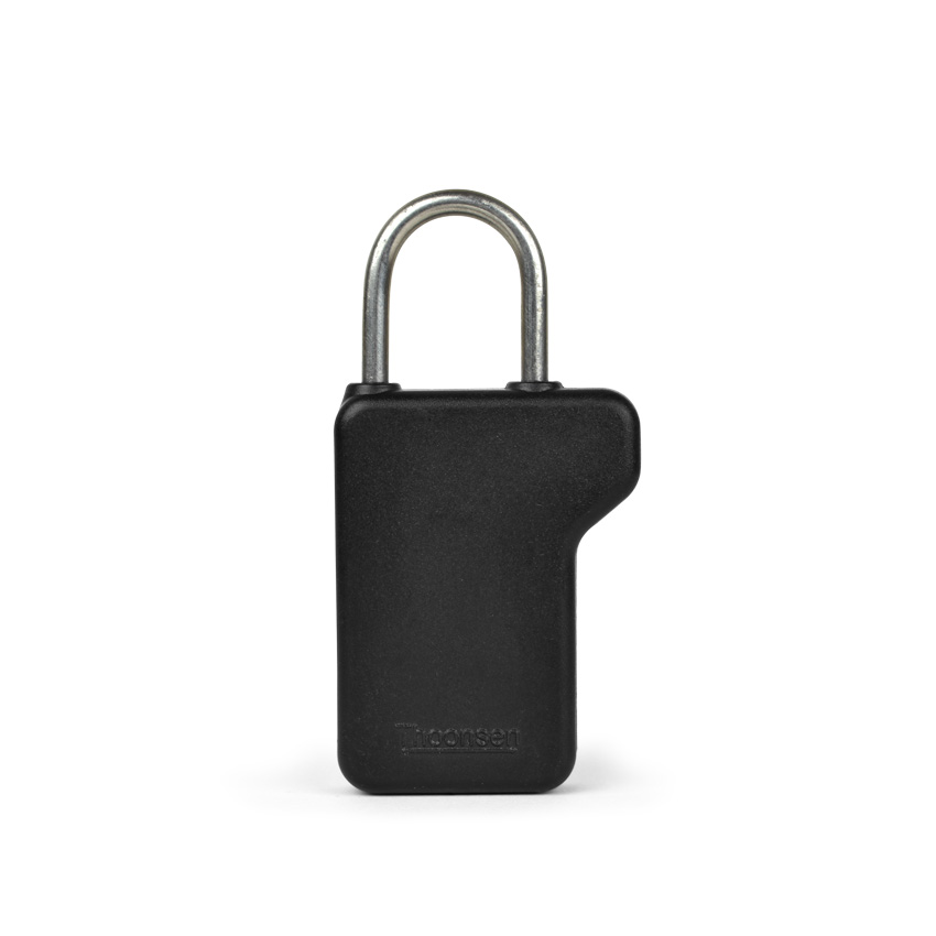 Security tag with steel shackle for maximum strength.