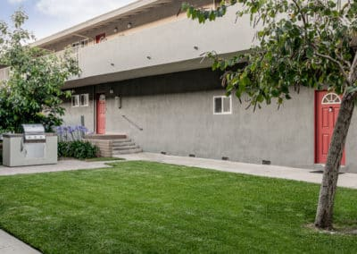 pet-friendly courtyard at Park Del Amo Apartment Homes