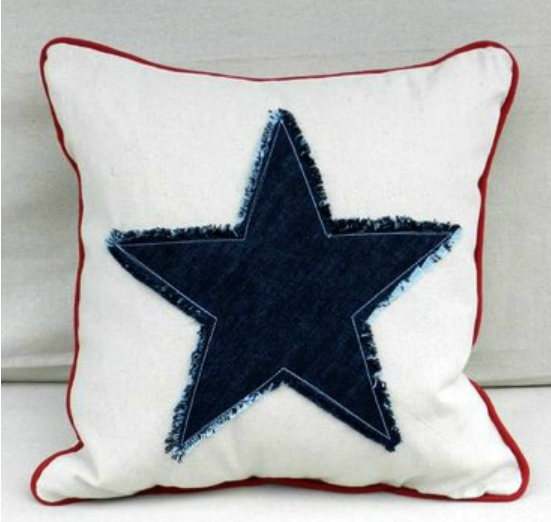 Americana Star Fringe Pillow. Free pattern by The Sewing Loft