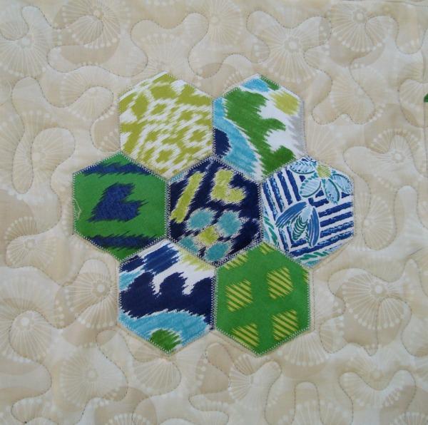 applique hexagon quilt block