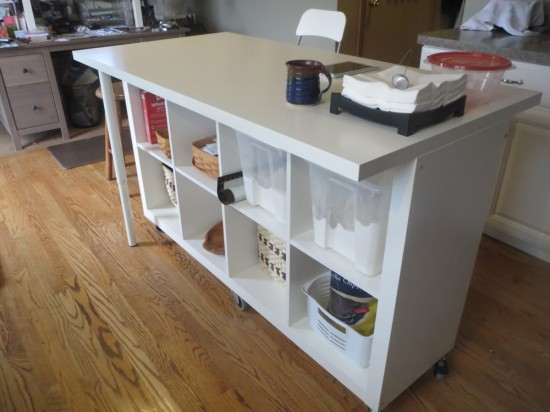 Make the most of your space with anyone of these 15 sewing table designs.