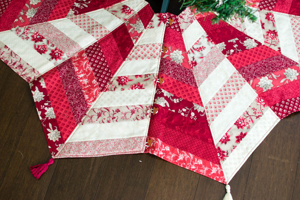 Get ahead of the holiday season with this quilted tree skirt. The video lessons make it a fun and easy project to make. Perfect for a stress free holiday.