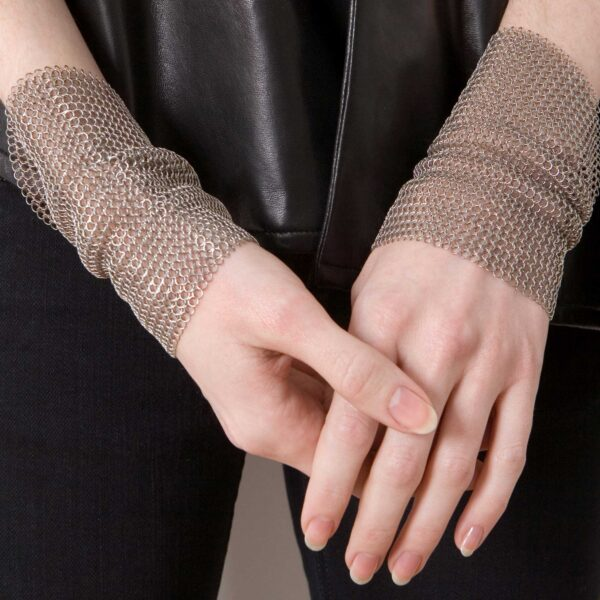 Chain Mesh cuff made of stainless steel rings