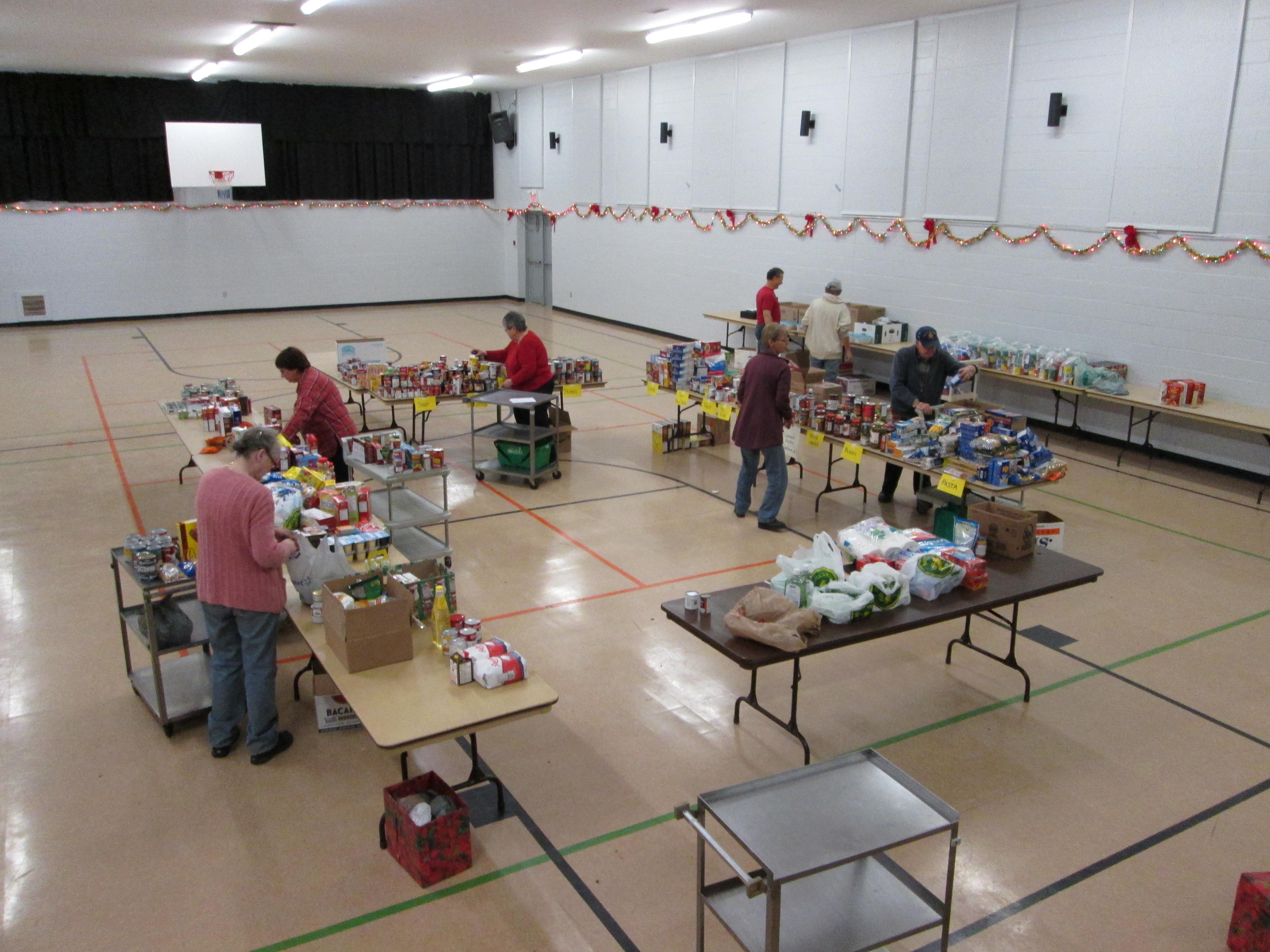 Kearney Food Drive Volunteers