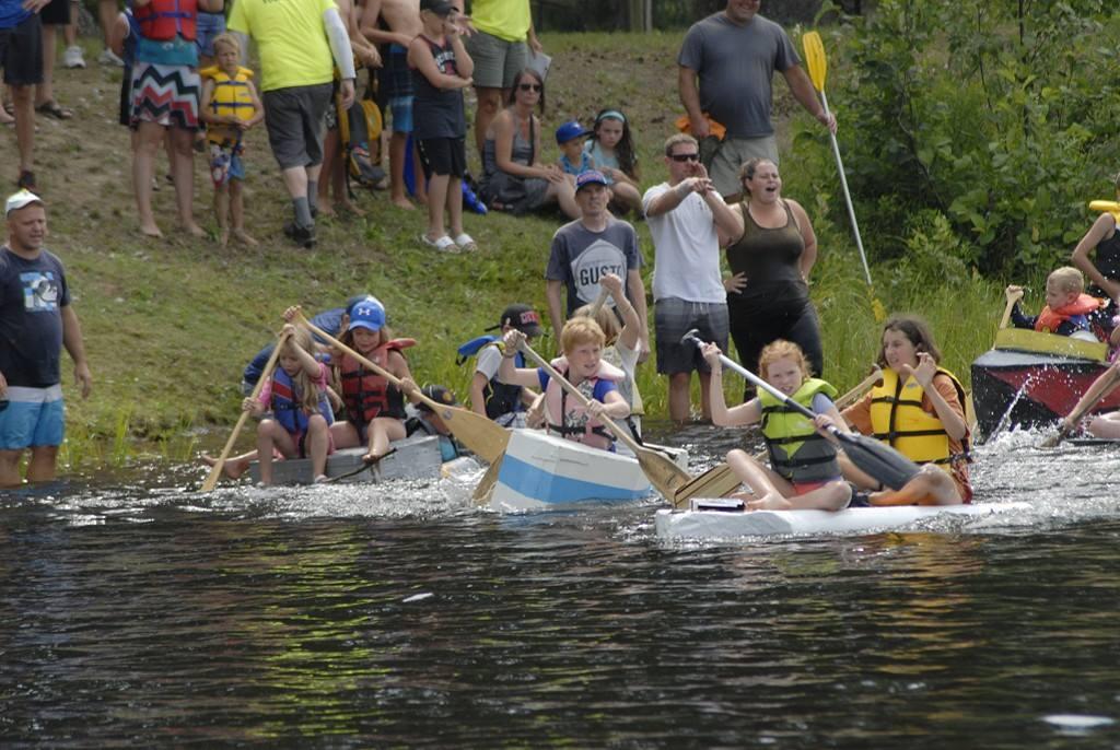 Regatta 2018 Cardboard Boat Race