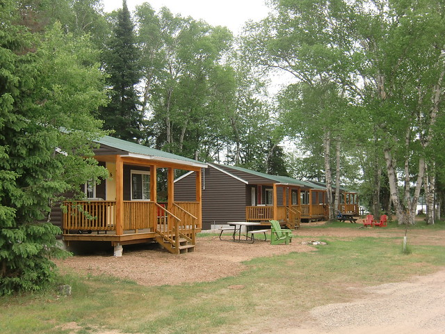 Edgewater Park Lodge cabins