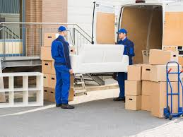 Moving? Learn When to Call a Mover in TX
