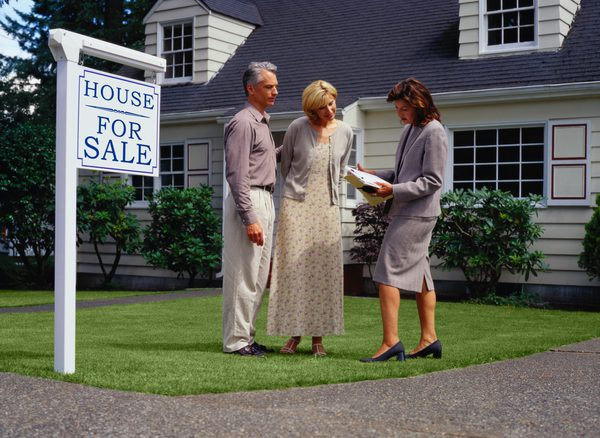 How to Move if Your House Hasn't Sold Yet in TX
