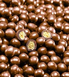 "Valrhona ""Caramelia"" Crunchy Perles  13-VC8425"