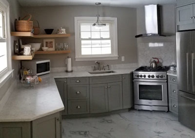 Kitchen blend modern and traditional grey full view