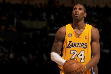 Kobe Bryant taking a free throw