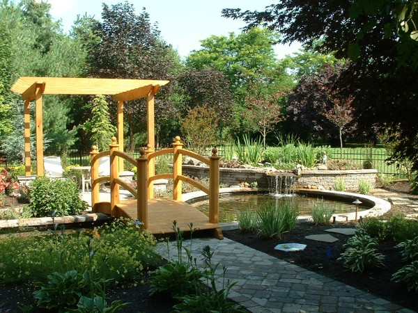 Water Feature | Young's Landscape Management, Inc.