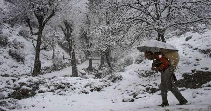Snowfall Kashmir