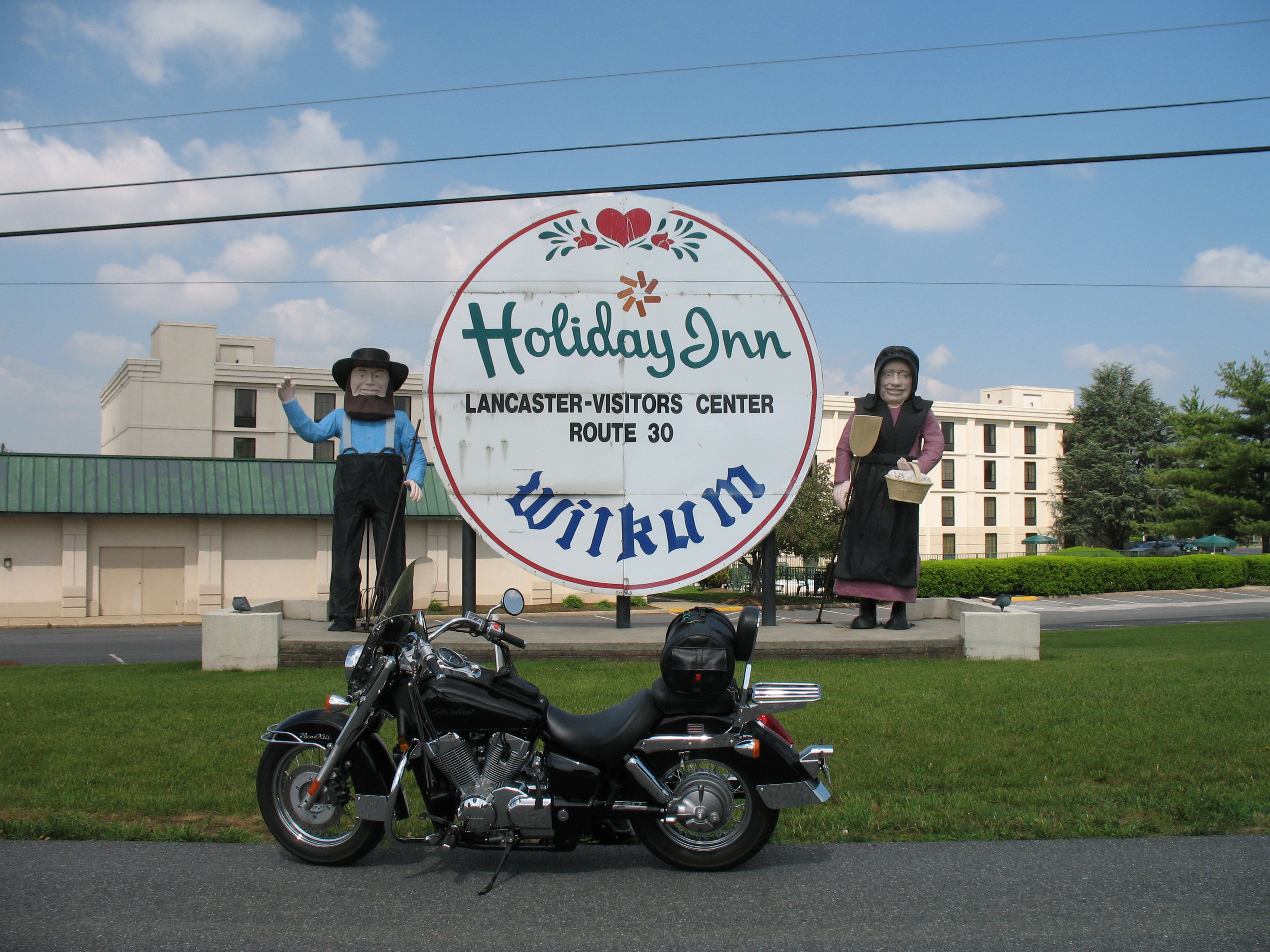 Amish Couple Welcomes You To Lancaster County