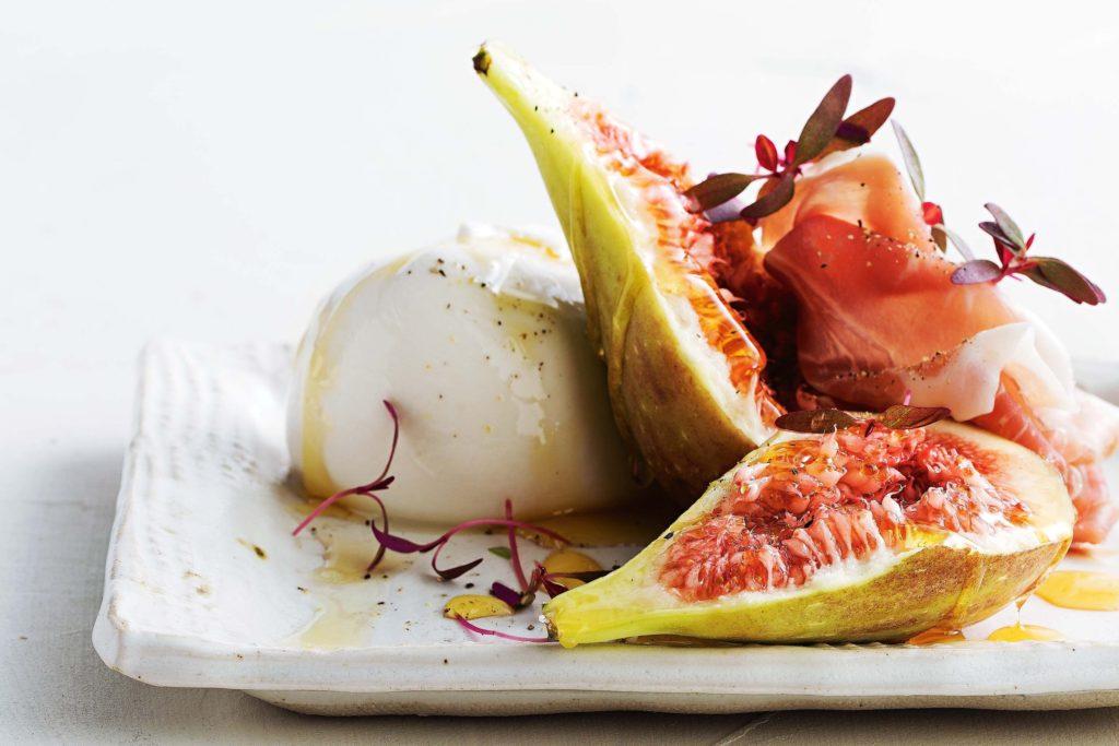 buffalo-mozzarella-with-figs-prosciutto-and-honey-102723-1