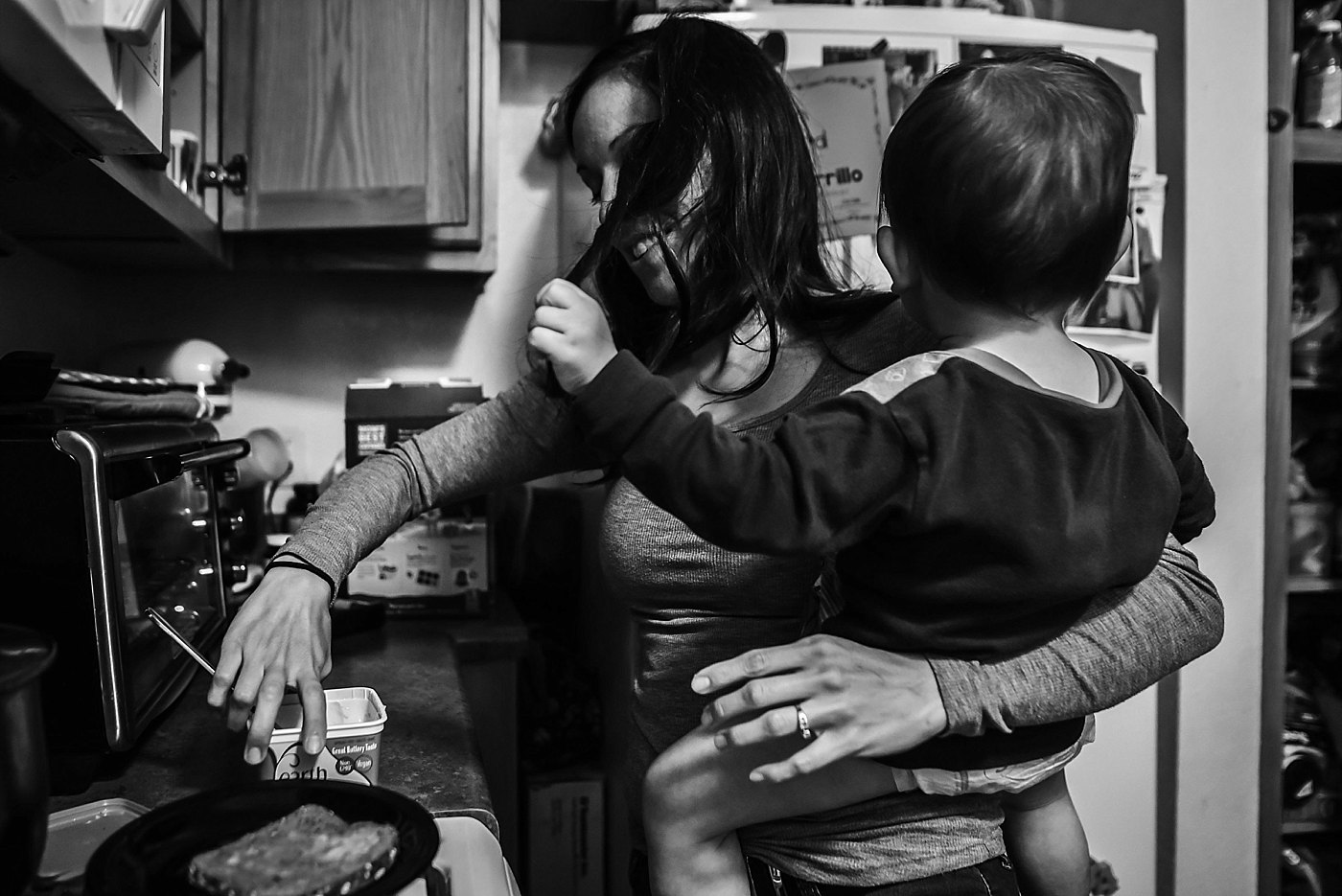 mom cooking with toddler day in the life redlands family photography