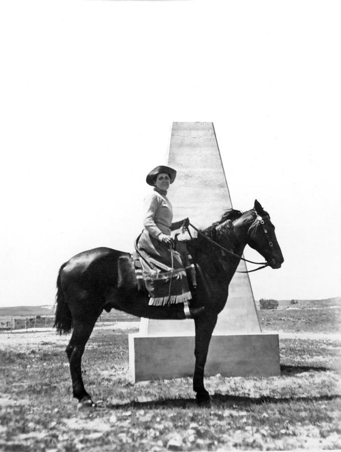 455-Grace-Raymond-Hebard-on-horseback-at-Ft-Laramie-monument,-6-18-1915-dura