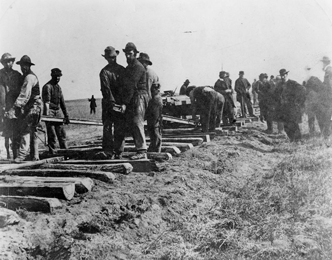 755-Laying-Tracks