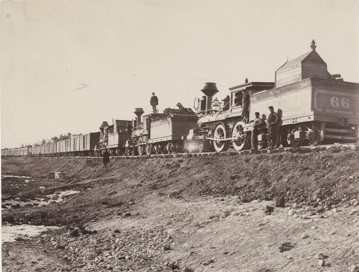 780-building-train-on-bear-river-ru