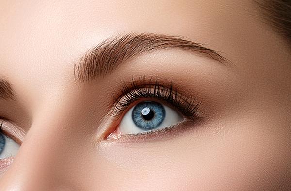 Beautiful lashes with Revitalash
