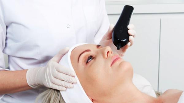 Plasma-IQ-patient-getting-treatment