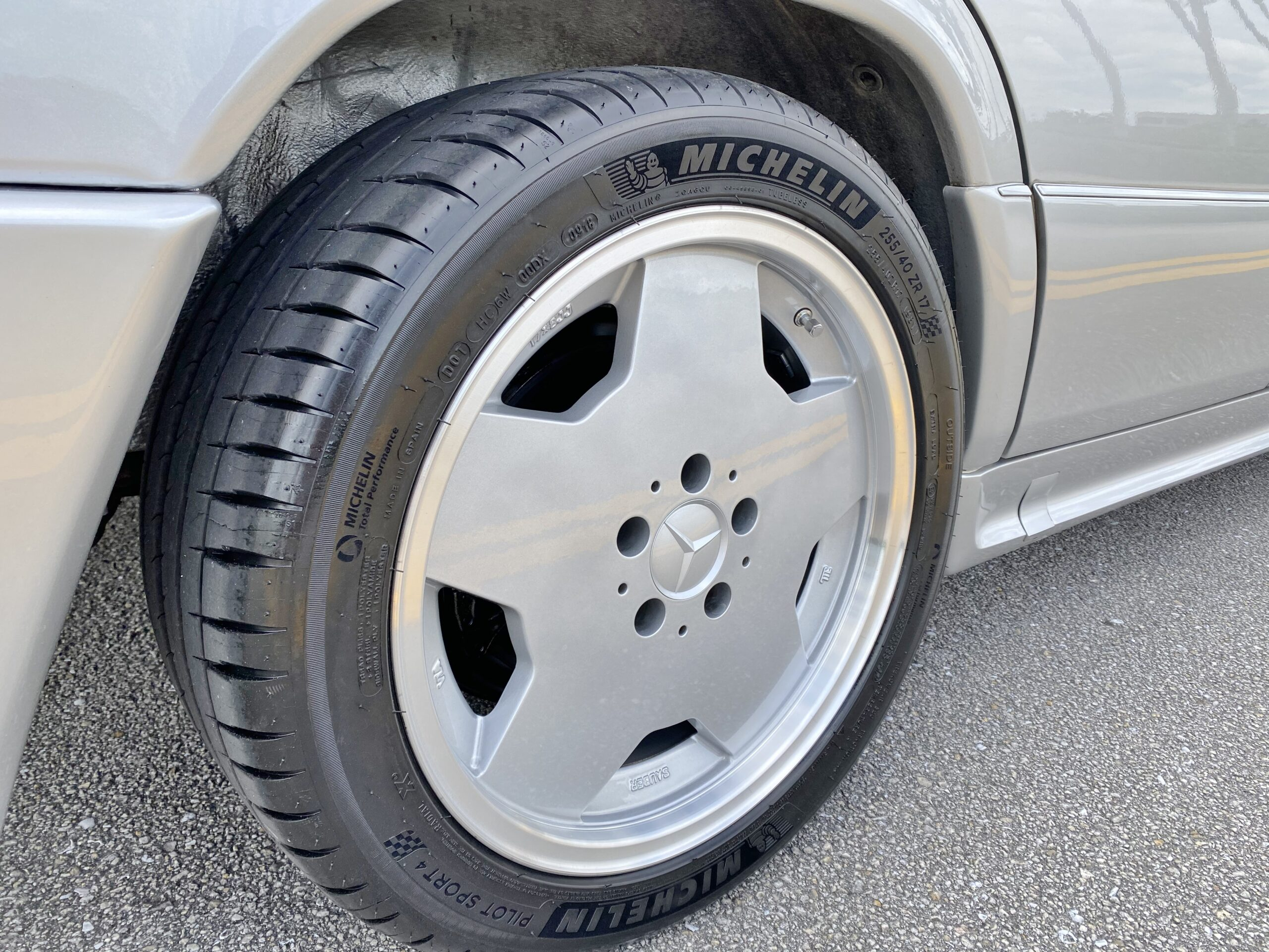 1995 Mercedes-Benz E36 AMG W-124 Rare 1 of 170 AMG E36 Wagons built – Matching numbers – Only 70K Miles -Like New