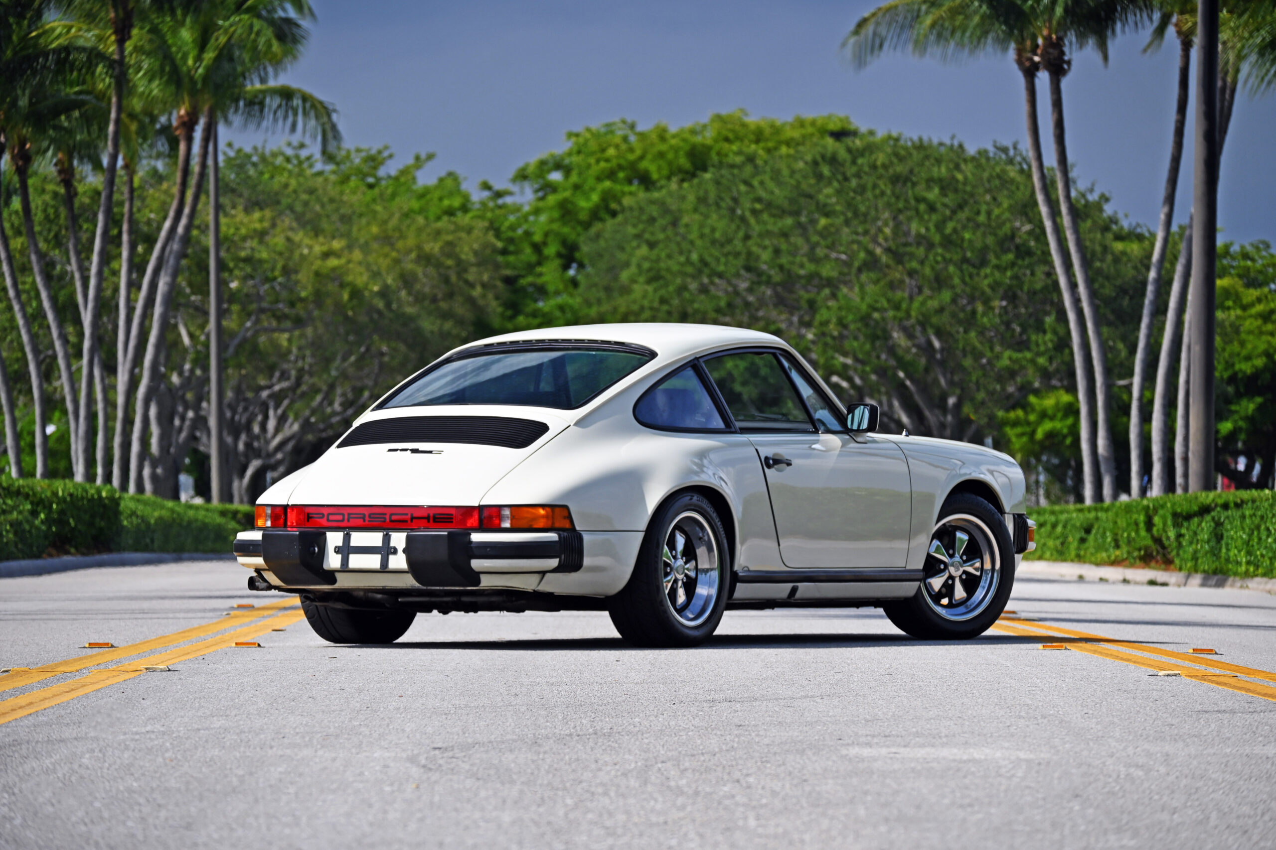 1983 Porsche 911 SC, Well sorted, 959 inspired custom leather interior, 930 Turbo Fuchs, Rennline accessories and more
