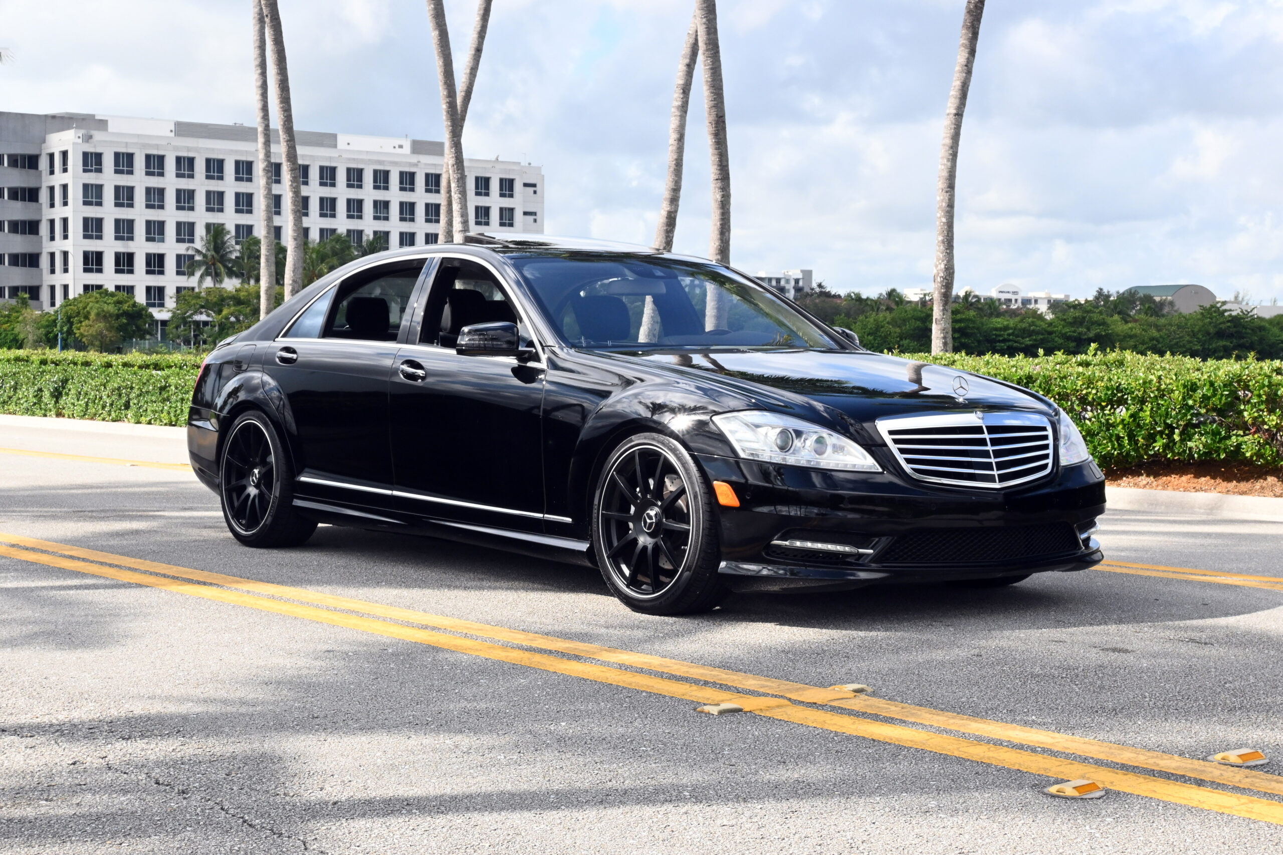 2013 MERCEDES S550, LOW MILES, SERVICED, S63 AMG WHEELS, LOADED WITH OPTIONS, FRESHLY SEVICED