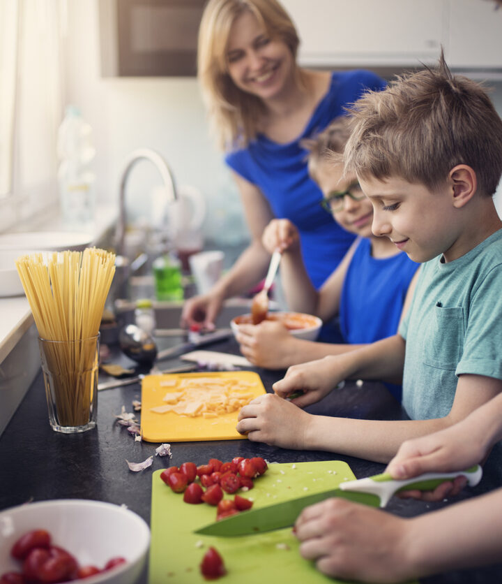 Here Are The Top Kid-Friendly Cooking Lessons Online