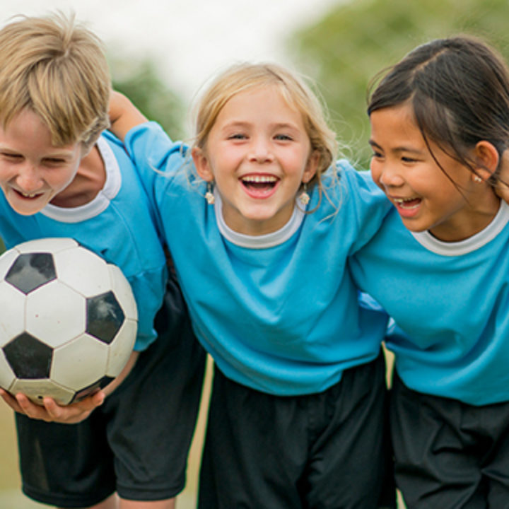 7 Important Lessons Kids Learn When Playing Team Sports