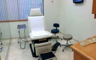 Dr-Kattash-Rancho-Cucamonga-Plastic-Surgery-Exam-Room